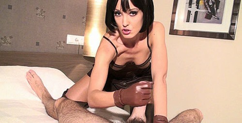 chateau-cuir-leather-glove-handjob